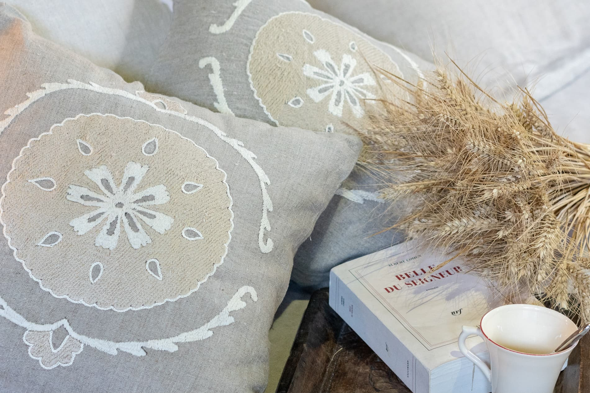Coussin brodé Sitora