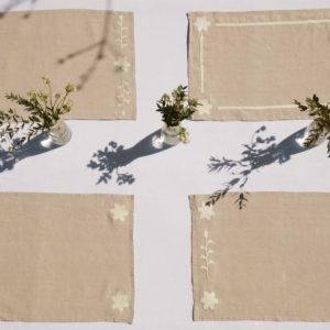 sets de table en lin naturel brodés